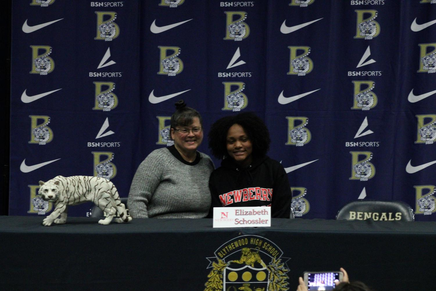 Elizabeth+Schossler+signs+to+play+soccer+at+Newberry+College.